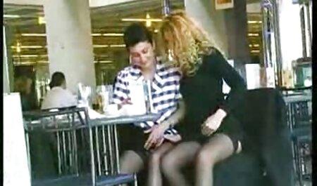 Un videos pornos argentinos maduras hombre empuja a anaconda en persona a su amada esposa en la ducha