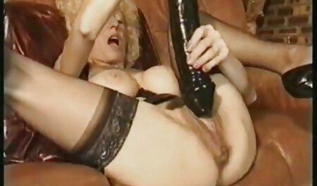 Joven modelo veteranas fogosas porno de acuerdo a recibir un creampie