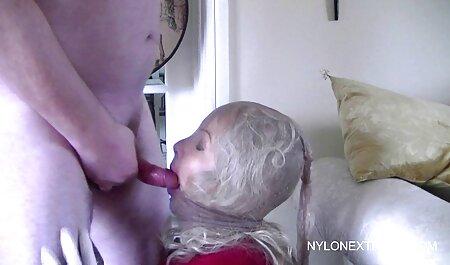 Una agitación buen sexo para una estrella veteranas con adolecentes del porno