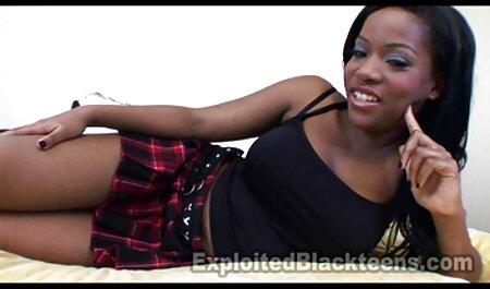 De cosecha propia actriz porno muestra su videos de veteranas lesbianas y su stripper :)