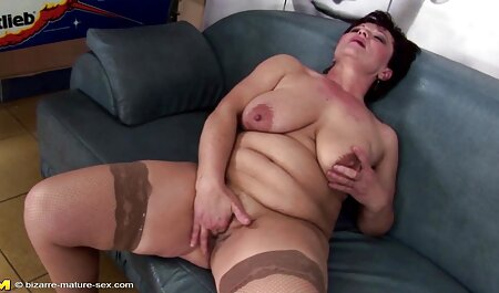 Flaco chica desnuda se videos de sexo veteranas masturba el coño con vibrador en la webcam en casa