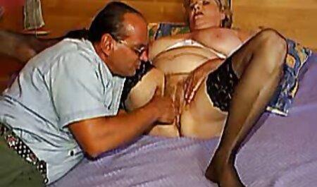 Cachonda madura rubia coño es excitado veteranas lindas desnudas sólo máquina del sexo