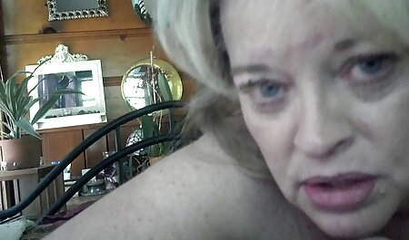 Caliente rubia coño salvaje divertido masturbación veteranas con adolecentes con la mano con guantes de cuero
