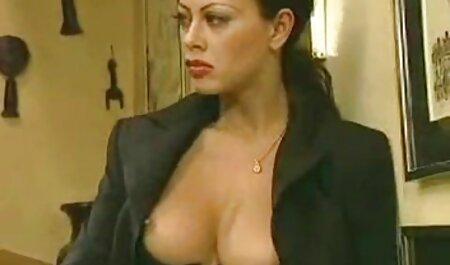 Un hábil jóvenes veteranas buenas follando porno modelo de seducir a una mujer madura para un fresco lesbianas a la mierda con su