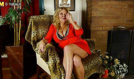 Caliente lesbianas orgía de ella con L. comer, beber y masturbarse con un pop de la máquina veteranas follonas