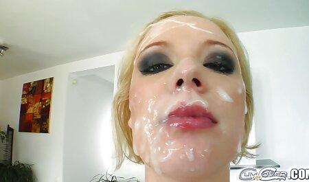 esposa intermitente y parpadeante cogiendo veteranas es digna de pulverizar en el culo rosado
