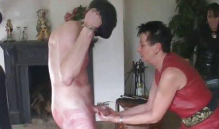 Casa porno veteranas mamadoras Estrella en la webcam para mostrar su masturbación con una nueva máquina de sexo