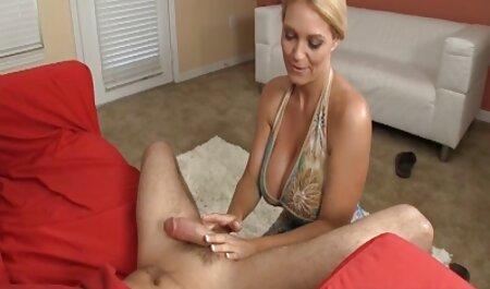 Chica joven disfruta de gran polla chico en sus veteranas lindas desnudas agujeros