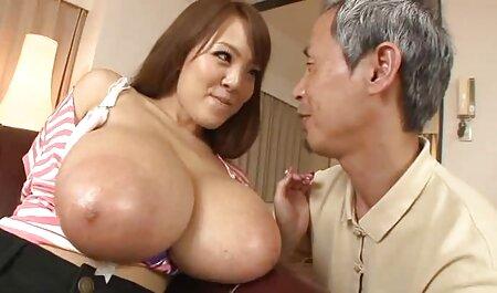 Dos hambrientos de grasa de las veteranas mamadoras mujeres negras con grandes culos a la espera de una gran polla
