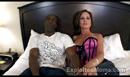 Ambas chicas porno de veteranos Handyman porno escenas de sexo