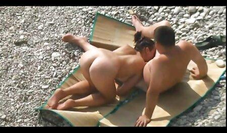 Asiático masajista dar su cliente veteranaslesvianas lesbiana sexo mientras masaje
