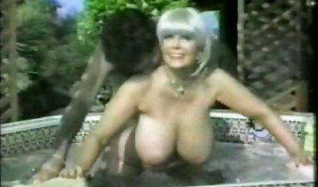 Madura ama de casa descaradamente cuentan con sus videos de pornos maduras tetas delante de usted, hijo, vecinos y se la follan