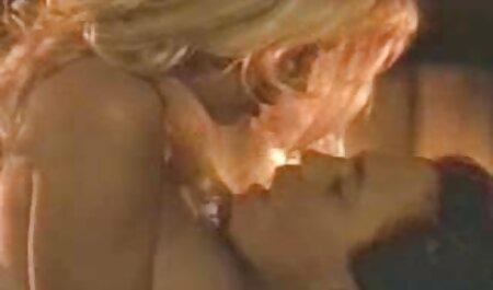 Una joven Polla de sexo casero veteranas un chico y seducirlo follada en una silla